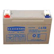 Prenez la batterie quatre Volts et 3,5 Ah pour le système de sécurité sans fil Domonial.
