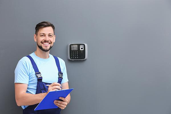 Obtenez le meilleur prix pour un système d'alarme ADT et TELUS avec Soumissions Protection
